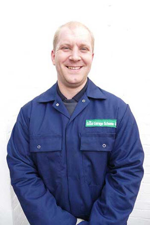 Richie, mechanic at Bromley Vehicle Test Centre